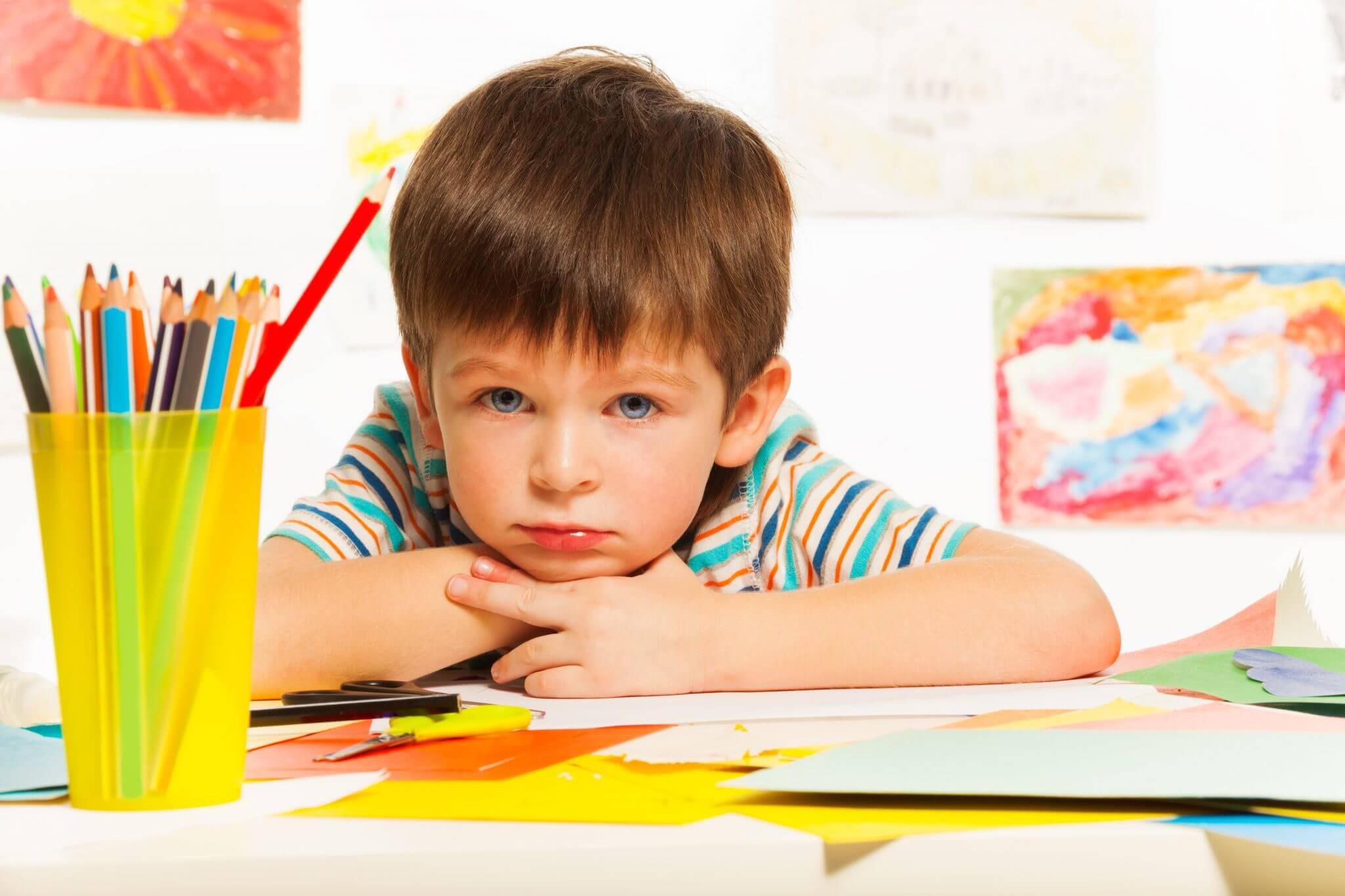 Quais são os sinais de atraso no desenvolvimento da fala de uma criança?